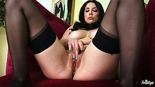 jelena rubs her clit and pussy lips for you