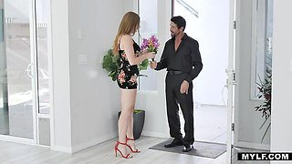 Sexually aggressive young woman Skylar Snow really wants to fuck that man