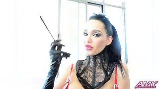 Amy anderssen - latex show