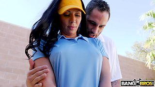 Passionate fucking at home with cheating housewife Rachel Starr