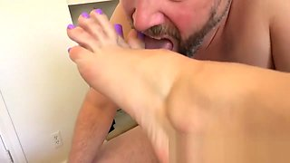 cuckolds eating cum from feet compilation