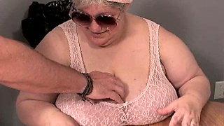 FRENCHPEE BBW GRANNY MADAME MAUDE - PEE SUCK HUGE TITS (01)