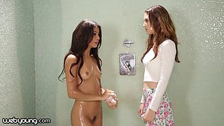 Petite Latina squirts in her first lesbian encounter