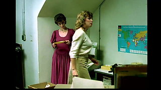 Inside Little Oral Annie (1984)