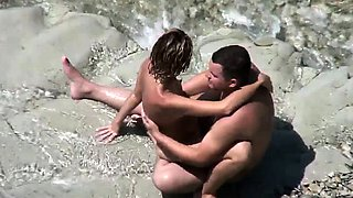 Amateur beach sex couple exposed by voyeurs