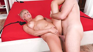 Gloryhole mature porn with smashing Ryan Keely