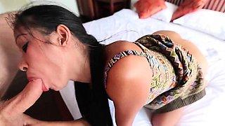 Thai Cutie Sook Love Suck A Big Cock