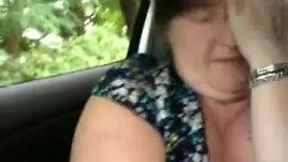 Chunky slut is giving me a nice blowjob in the car