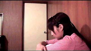 Japanese daughter repay for her late of mother (full: bit.ly2b0er0i)