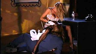 Insanely hot blonde starlet Nicole Sheridan enjoy a rough fuck