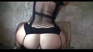amateur girl fucking dildo