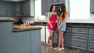 Juggy milf Crystal Rush is teaching stepdaughter how to lick and finger fuck pussy