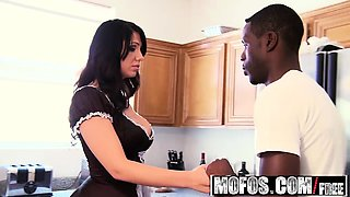 Mofos - Milfs Like It Black - Big Ass Maid st
