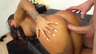 Sensual hussy adores nothing better than making love to stranger
