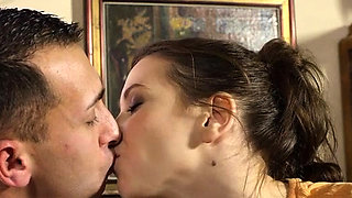 Sexy defloration of a sexy luscious hottie