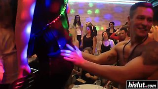 College party with hot babes goes wild