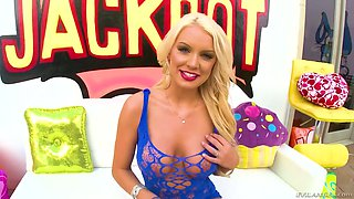 Hottie with fake boobs Kenzie Taylor gets her anus rammed