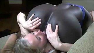 Interracial lesbian fun
