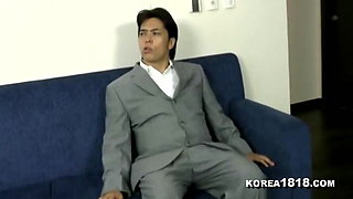 KOREA1818.COM - HOT Korean MIlF in Towel Seduction
