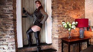 Mature British redhead RedXXX masturbates in pantyhose