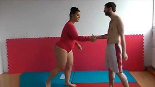 Ina dominates small guy