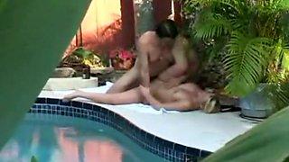 Peeping my neighbors fuck and their pool
