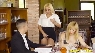 Rubia seduce a casado en cena mientras su esposa pendejea