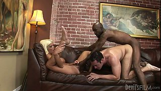 Blonde mommy with fake boobs Jordan Blue fucks two bisexual dudes