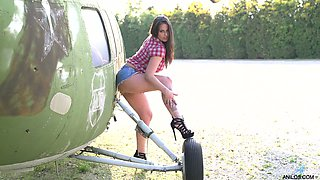 All alone nicely packed Simony Diamond goes solo near the helicopter