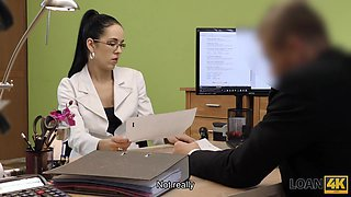 Colleague drills mouth and sissy of new very nice coworker