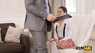 RIM4K. Careless college girl apologizes to the husband by rimming