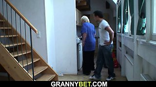 Big tits blonde granny pleases younger stranger