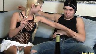 Beim ersten Date geil betrunken und gefickt