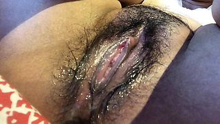Pilippino girl's wet and hairy pussy pulsating