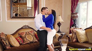 Moriah Mills, Booty Licious And Ramon Nomar - Black Milf Gets Fucked By Horny White Guy