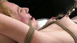 Chick loves breast bondage