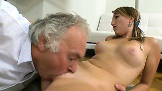 Exquisite redhead russian lady enjoys hole hammering