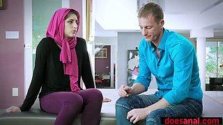Arab teen in hijab prefers anal fuck to keep virginity